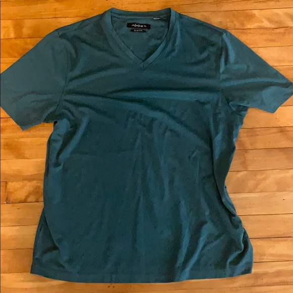 Axist Other - Mens V-neck shirt DONATING SOON